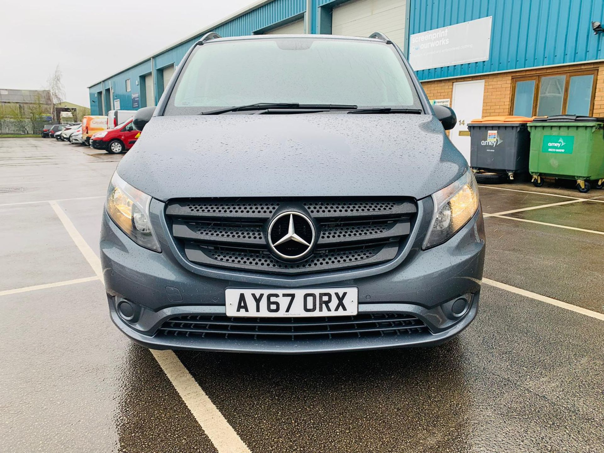 Mercedes Vito 114 Bluetec Dualiner/Crew Van - Auto - Air Con - 2018 Model- 1 Owner From New - Image 7 of 30