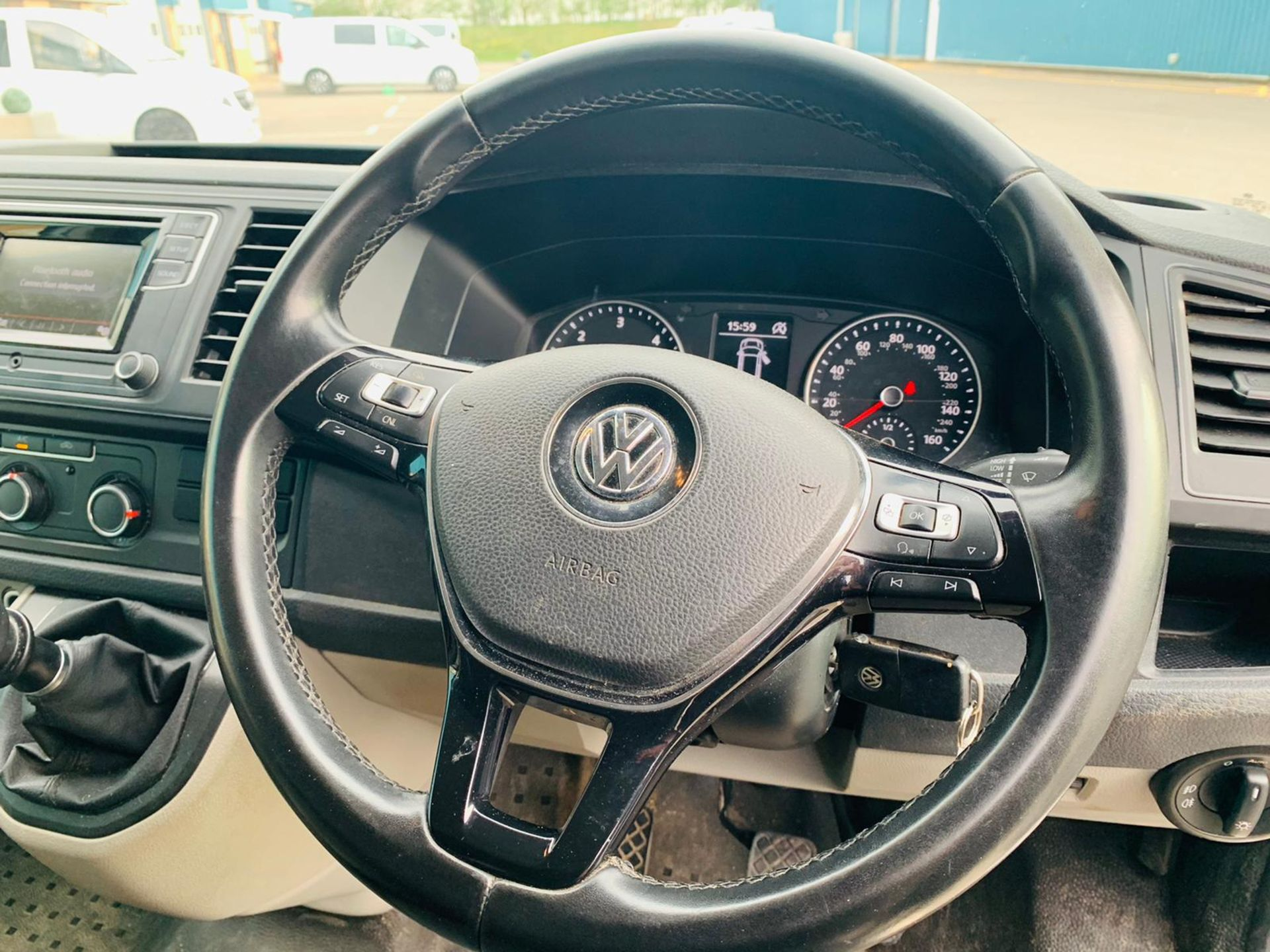 (RESERVE MET) Volkswagen (VW) Transporter 2.0 TDI 150 Highline T28 2018 18 Reg - Parking Sensors - - Image 13 of 23