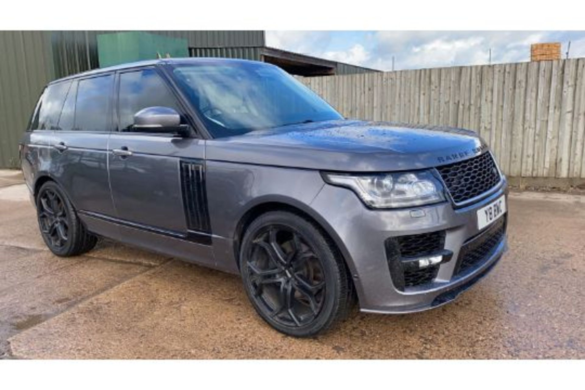 Range Rover Vogue 3.0 TDV6 SE Auto - Black Pack - NEW SHAPE - FULLY LOADED - Pan Roof - Image 8 of 30