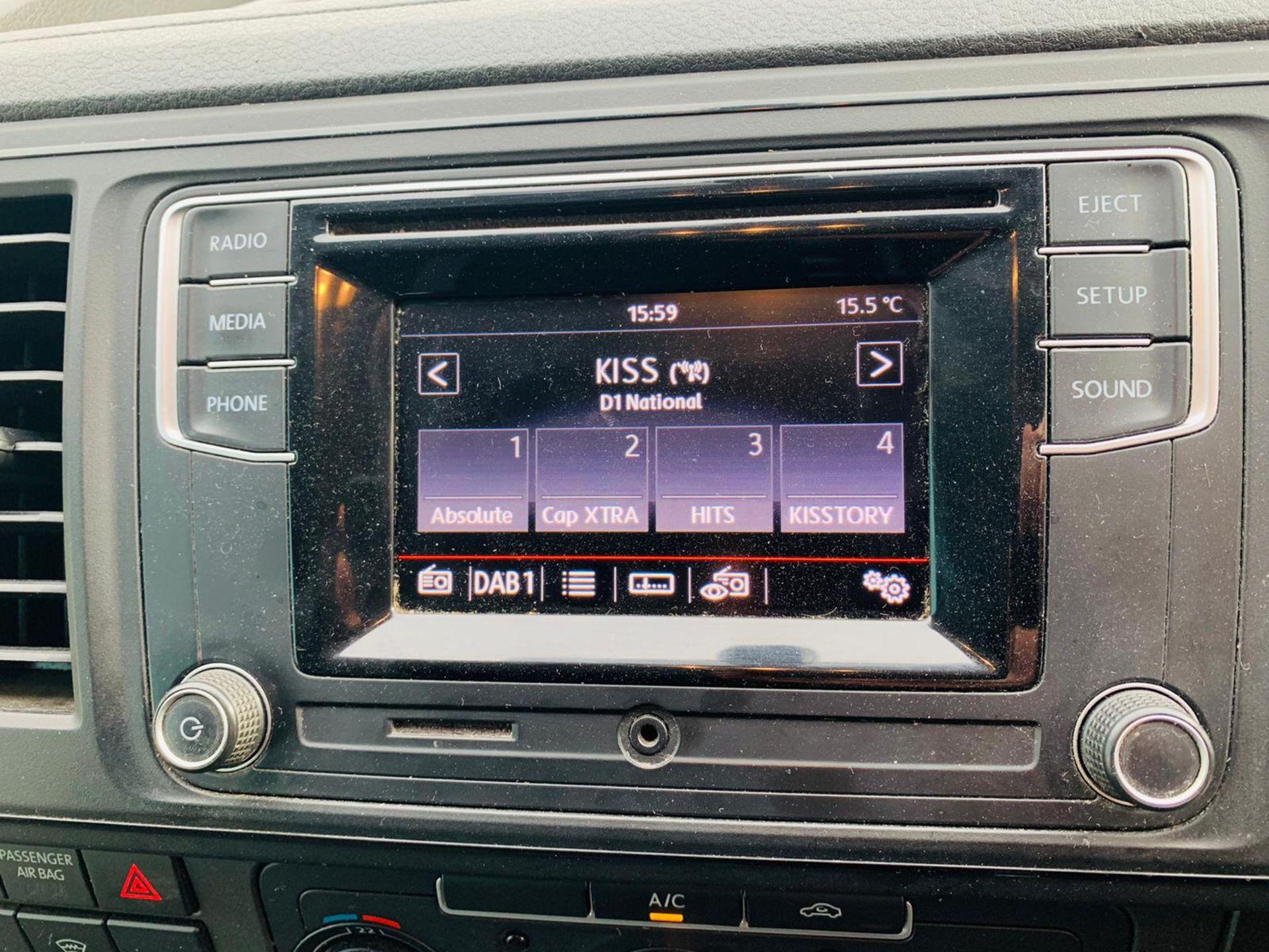 (RESERVE MET) Volkswagen (VW) Transporter 2.0 TDI 150 Highline T28 2018 18 Reg - Parking Sensors - - Image 16 of 23