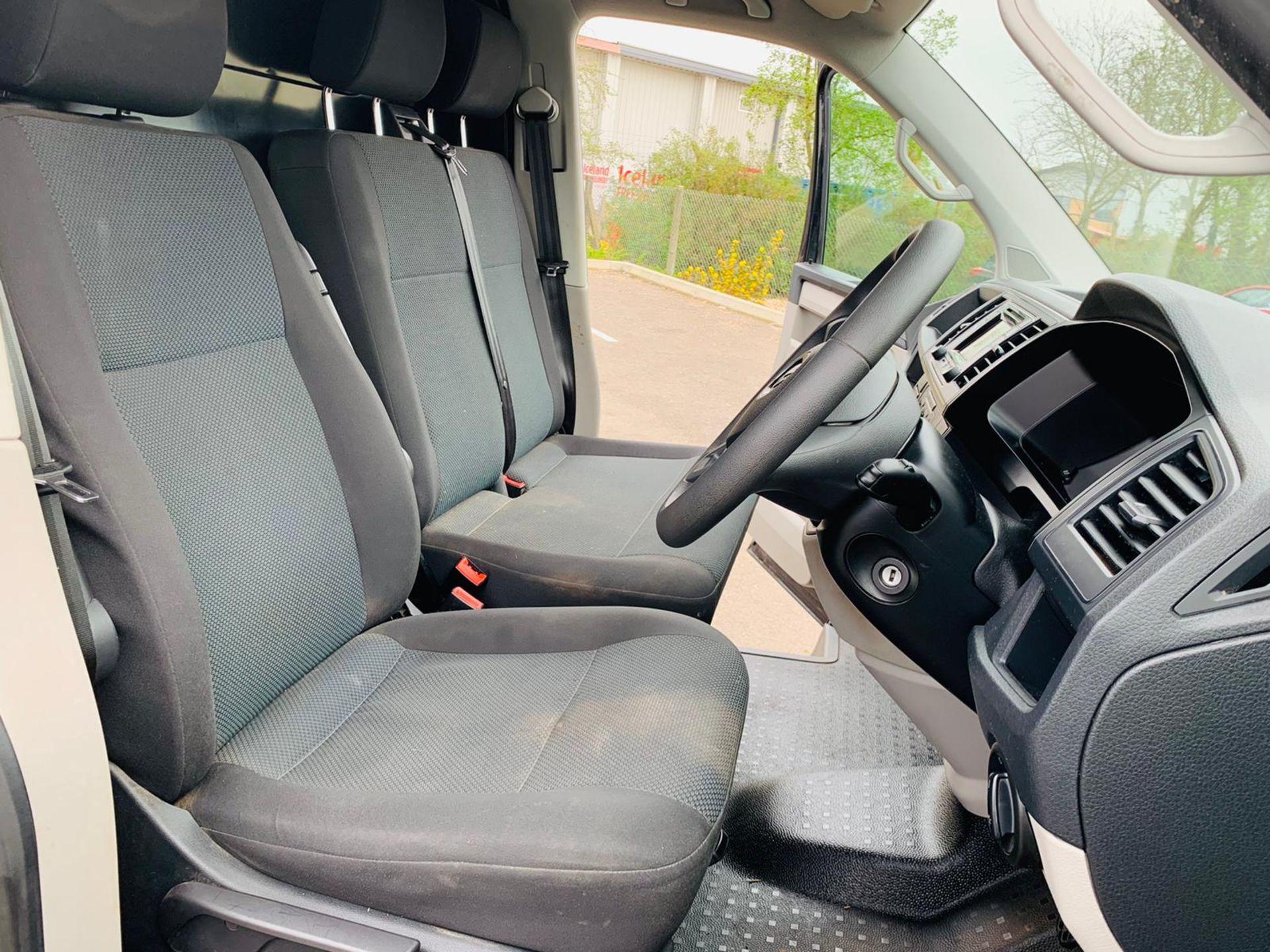 Reserve Met - Volkswagen Transporter T30 2.0 TDI Trendline - 2017 Model - Euro 6 - 1 Owner - Image 11 of 18