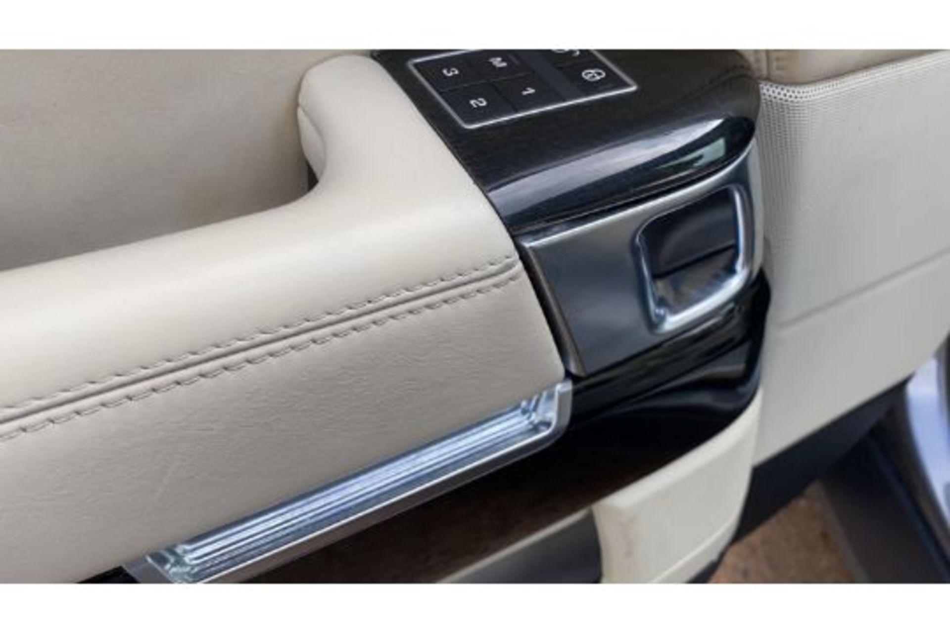 Range Rover Vogue 3.0 TDV6 SE Auto - Black Pack - NEW SHAPE - FULLY LOADED - Pan Roof - Image 19 of 30