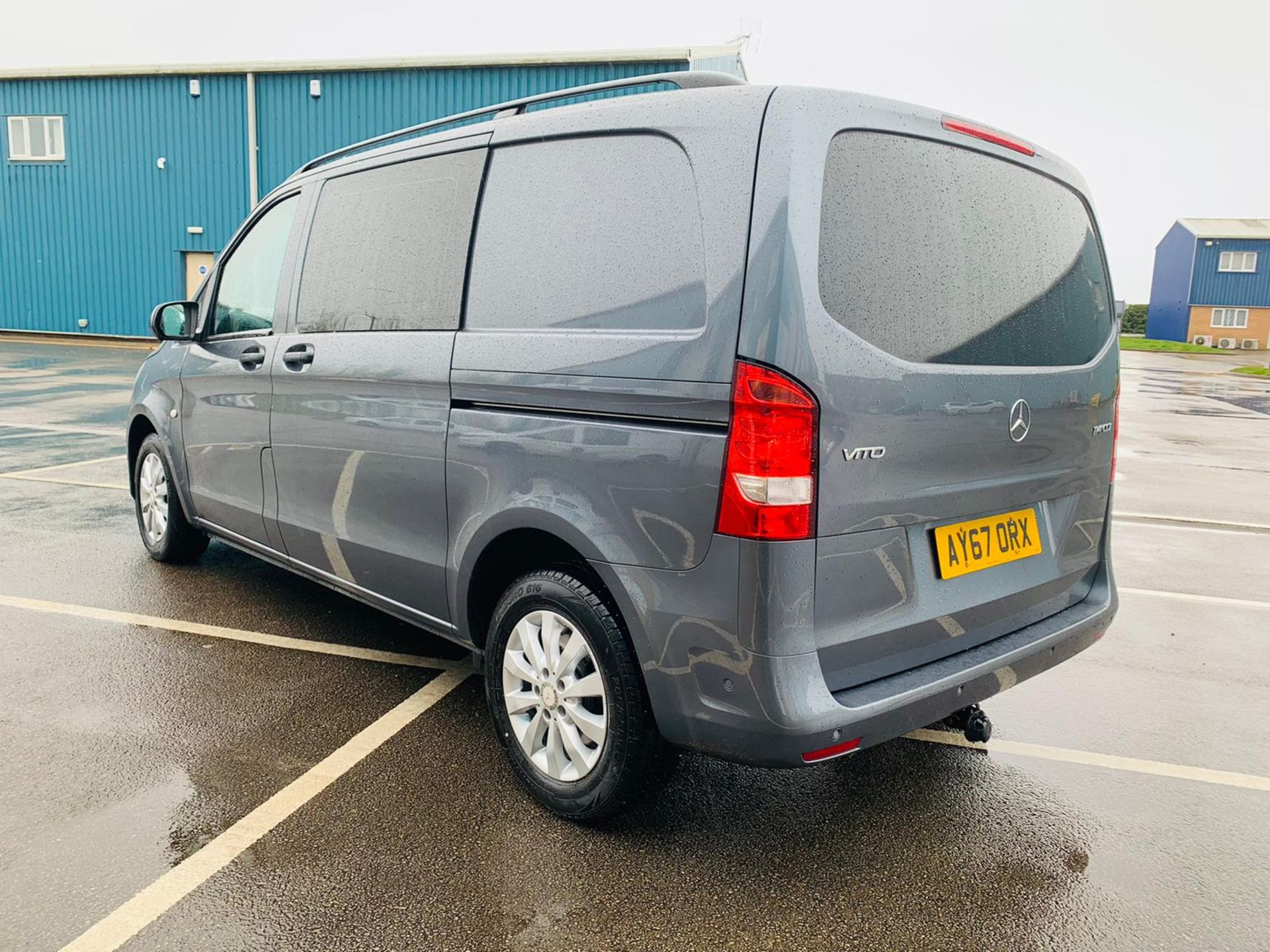 Mercedes Vito 114 Bluetec Dualiner/Crew Van - Auto - Air Con - 2018 Model- 1 Owner From New - Image 4 of 30
