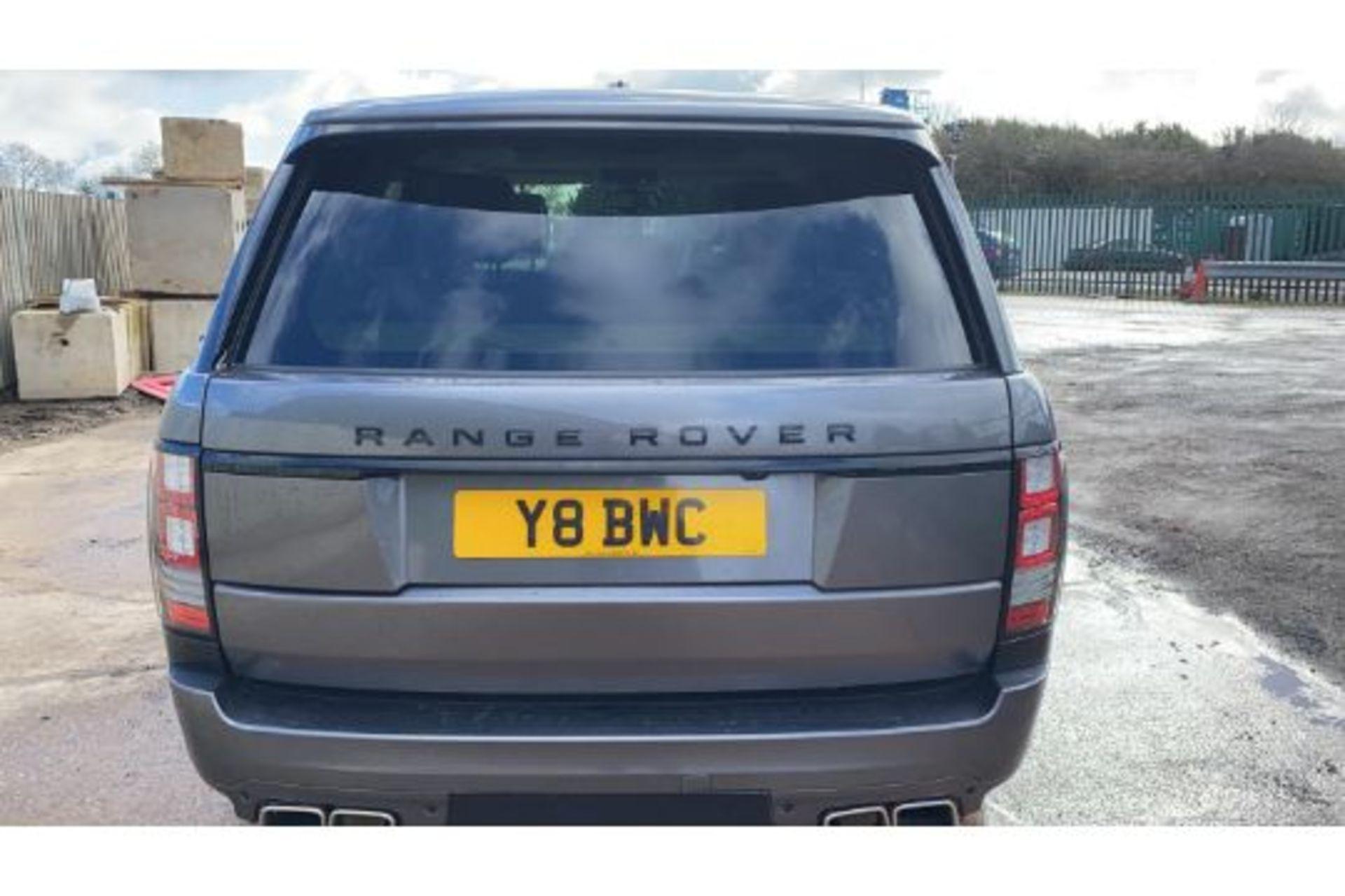 Range Rover Vogue 3.0 TDV6 SE Auto - Black Pack - NEW SHAPE - FULLY LOADED - Pan Roof - Image 4 of 30