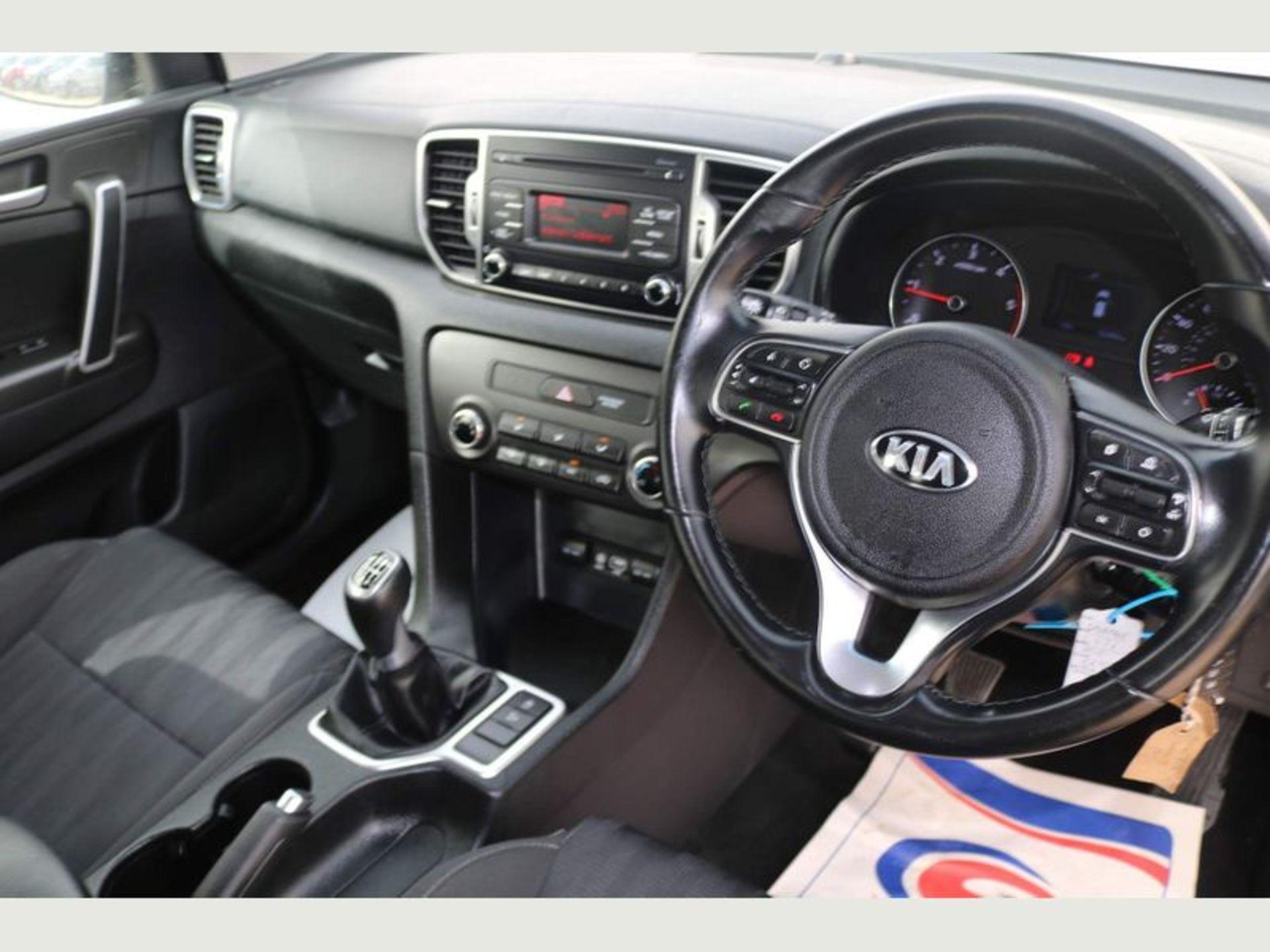 (Reserve Met)KIA Sportage 1 1.7 CDRI LSG (SUV) - 2017 17 Reg - Cruise Control -Bluetooth - FSH - - Image 5 of 6
