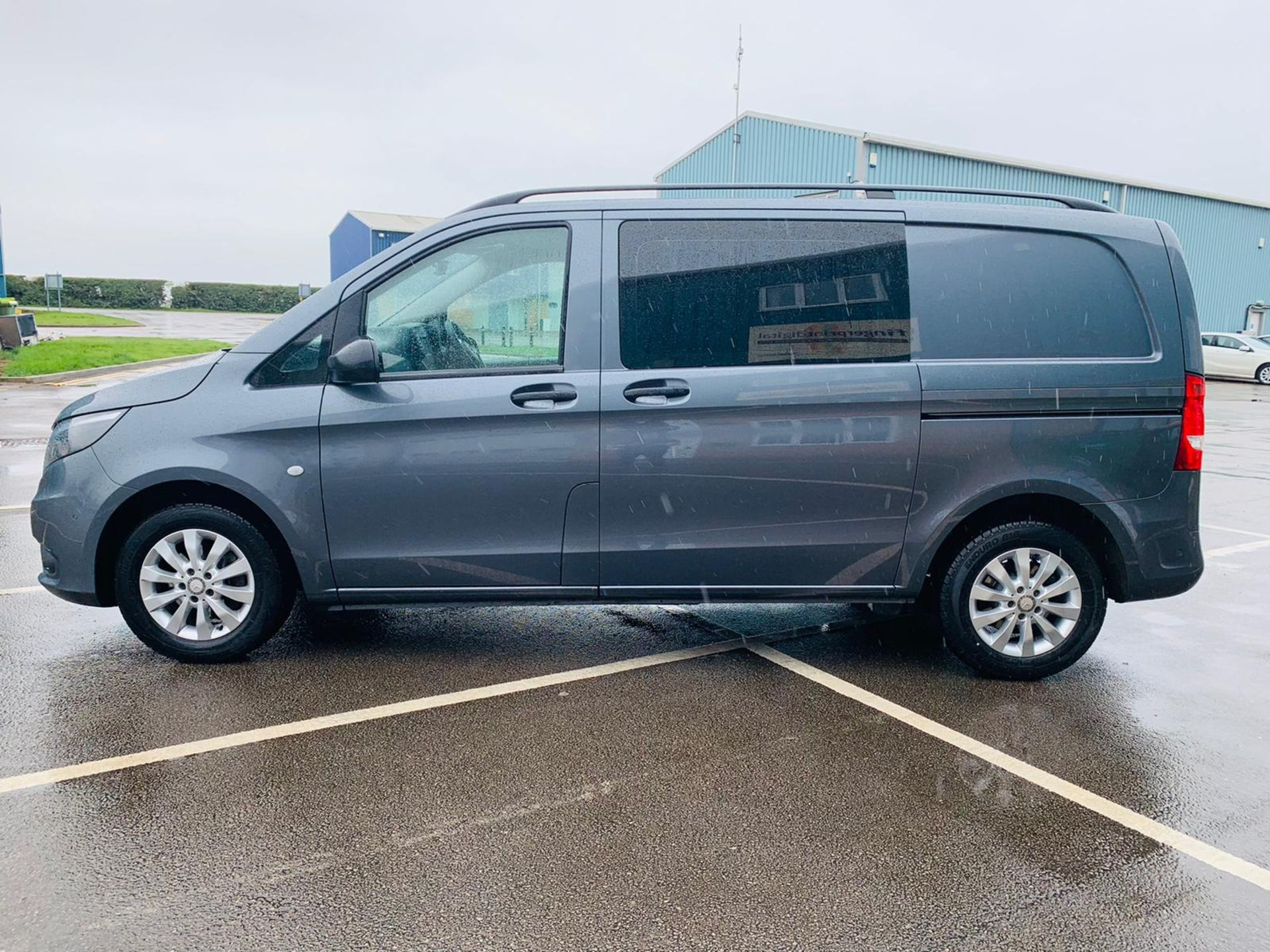 Mercedes Vito 114 Bluetec Dualiner/Crew Van - Auto - Air Con - 2018 Model- 1 Owner From New - Image 6 of 30