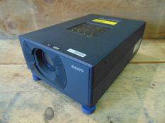 SANYO PLC-SU10E Projector