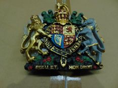 SMALL HAND PAINTED ROYAL CREST