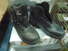4 PAIRS NEW UNISSUED JALLETTE SAFETY BOOTS SIZE: 40/ or 6 1/2