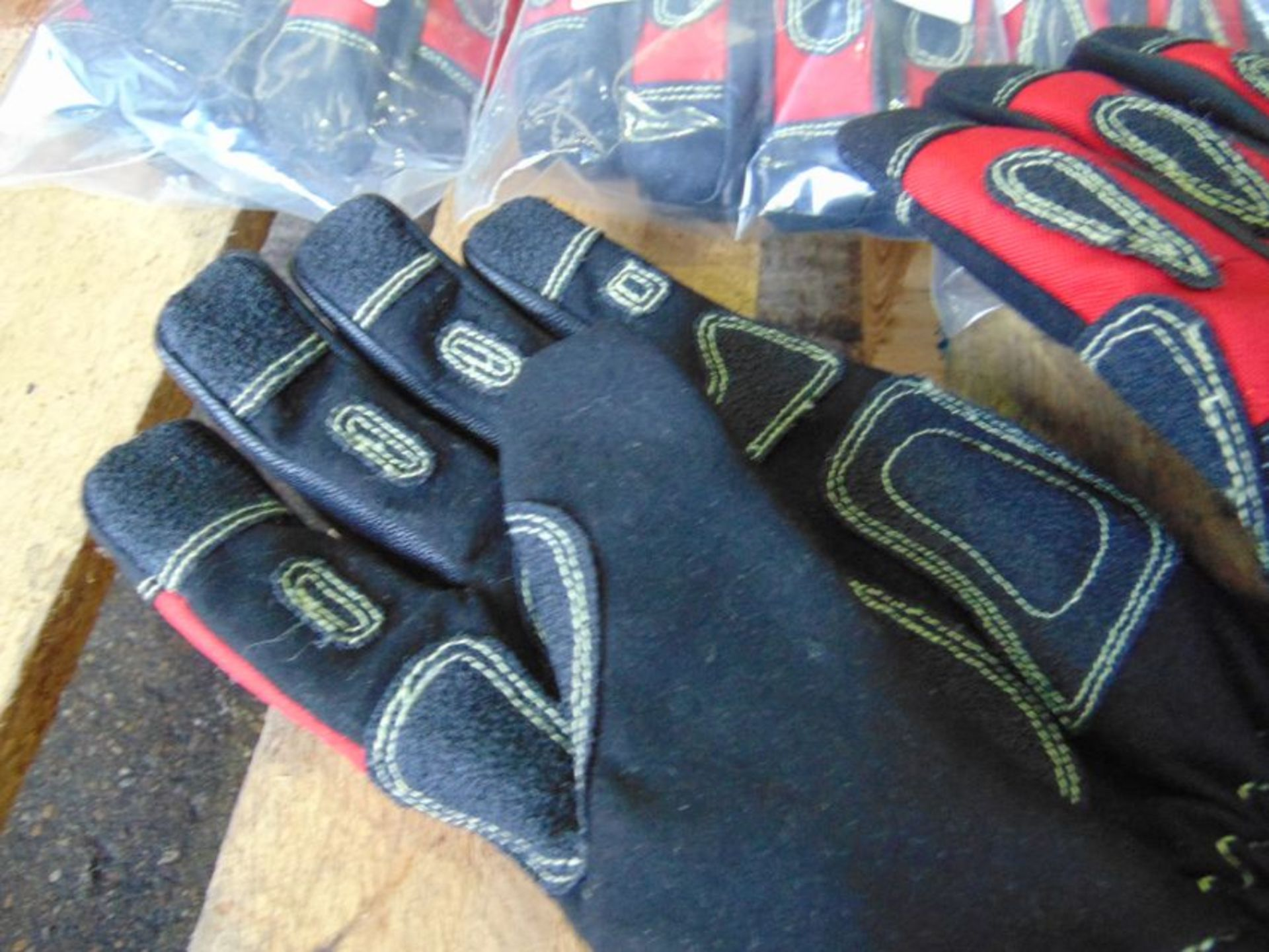 QTY 5 x Unissued M Bennett Extricator Plus RTC Gloves - Image 4 of 5