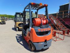 2014 TOYOTA TONERO 18 FORKLIFT 4893 HOURS ONLY WITH SIDE SHIFT