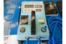 DRUCK MODEL DPI107 LEAK RATE INDICATOR C/W INSTRUCTIONS AND ACCESSORIES AS SHOWN