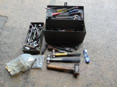 TOOLBOX WITH LARGE AMOUNT OF TOOLS