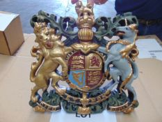 HAND PAINTED ROYAL CREST WALL MOUNTING 36cms x 34cms