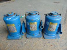 Q 3 x Weber 12 Tonne Hydraulic Jacks