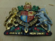 HAND PAINTED ROYAL CREST WALL MOUNT- 17cms x 15cms