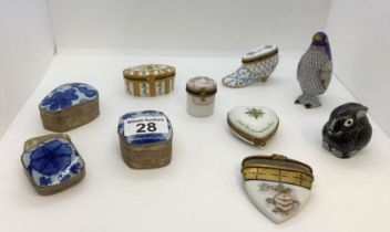 An assortment of porcelain trinket/pill boxes (x8 in total) plus x2 small enamel animal figures in
