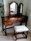 A Harrods Royal Oak Furniture dressing table with adjustable free-standing mirror, 69 h x 110 w,