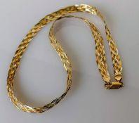 An Italian tri-colour gold woven necklace, 40 cm, hallmarked, 6.5g