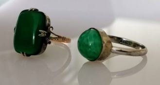 A vintage gem-set 9ct gold ring in a claw setting, stamped, size P, 3.45g and a cabochon-set