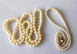 A single string of graduated cultured pearls measuring 4mm to 8mm, approximately, 42 cm united by