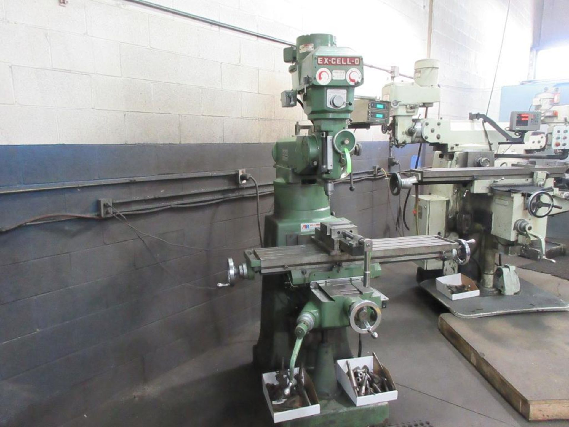 """EXCELLO MILL MODEL 602, 47""""X9"""" TABLE, 85-4000 RPM, MITUTOYO 2 AXIS DRO, COLLET STYLE , 2 BOXES - Image 2 of 6"""