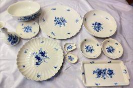 Meissen Essservice mit blaue Blumen