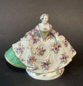 Dame mit Fächer und Krinolinen Kleid, Meissen