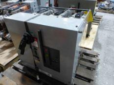 Square D Med Voltage Circuit Breaker | Cat No. V5D4333Y000A; 3000A; 100-140 VDC; Mfg: 2002