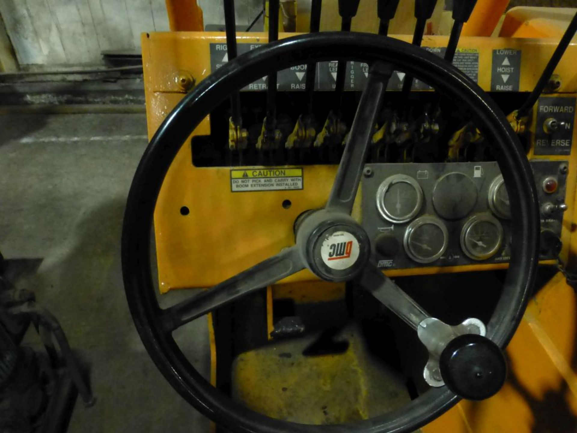 Broderson Manufacturing Corp Crane | Model No. IC-35-2C; S/N: 43875; 3,500 Hours; Gas Engine: - Image 7 of 17