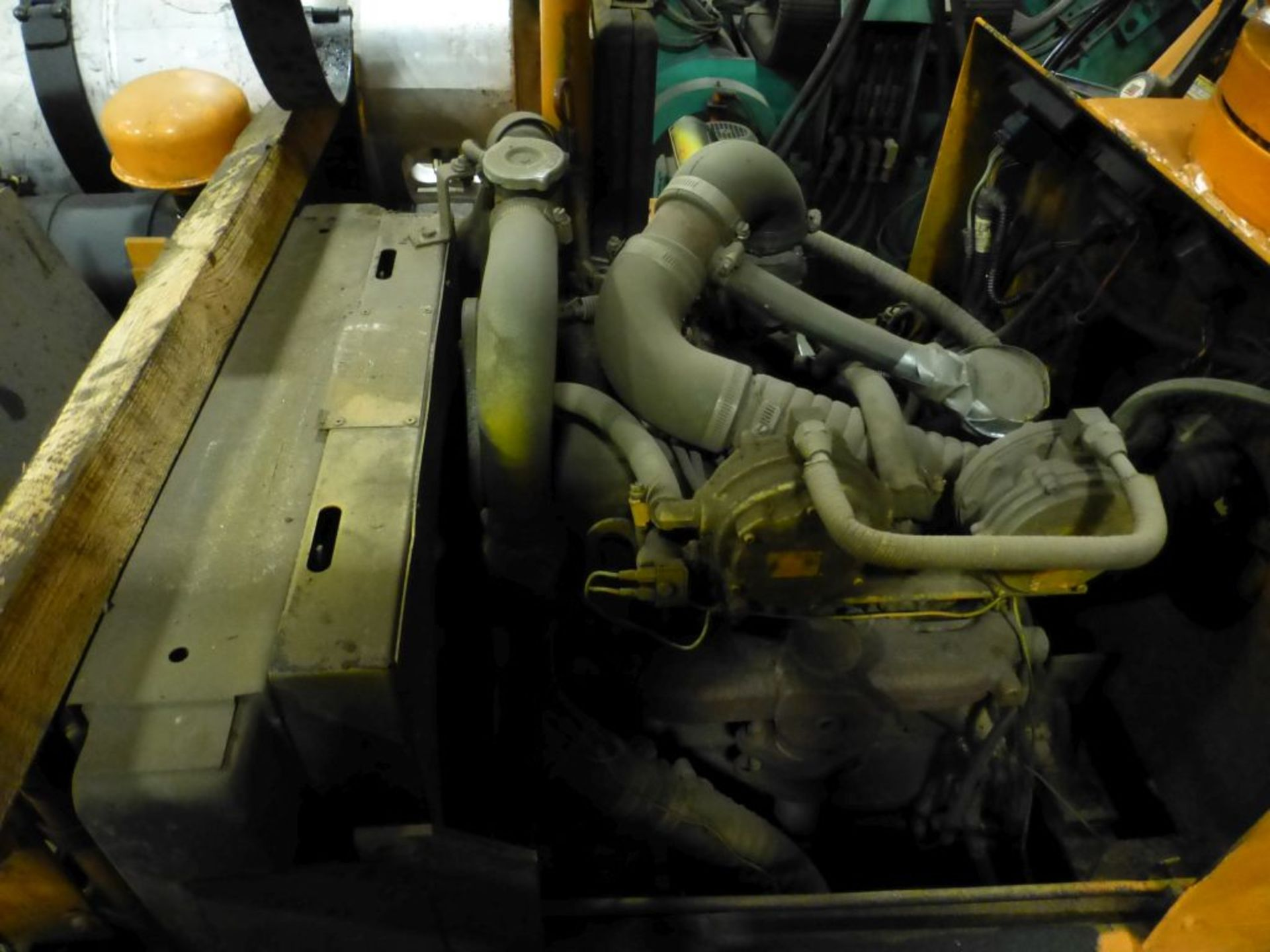 Broderson Manufacturing Corp Crane | Model No. IC-35-2C; S/N: 43875; 3,500 Hours; Gas Engine: - Image 3 of 17