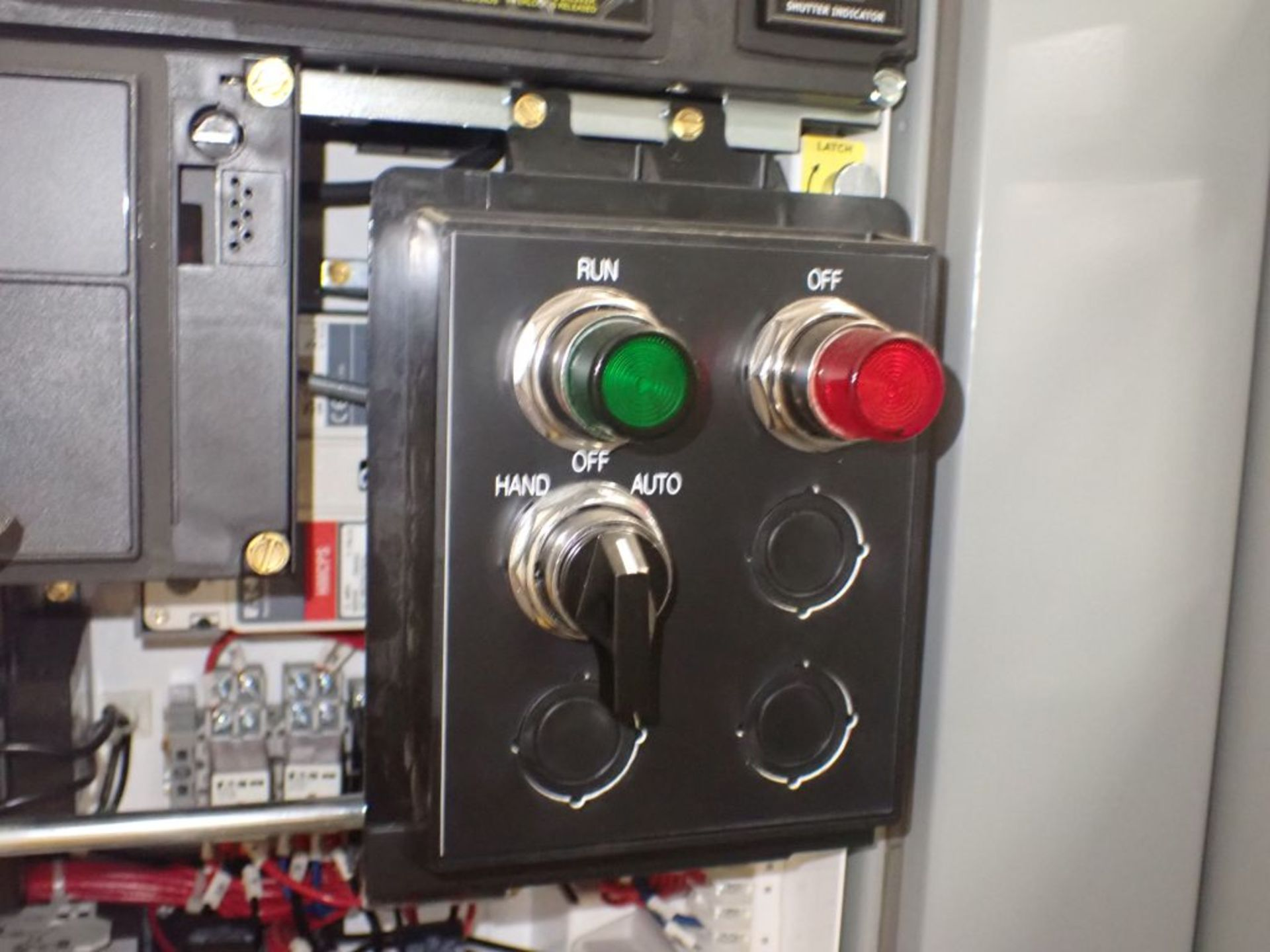 Eaton Freedom Flashgard Motor Control Center w/Components | (5) F206-15A-10HP; (4) F206-30A-10HP; ( - Image 14 of 84