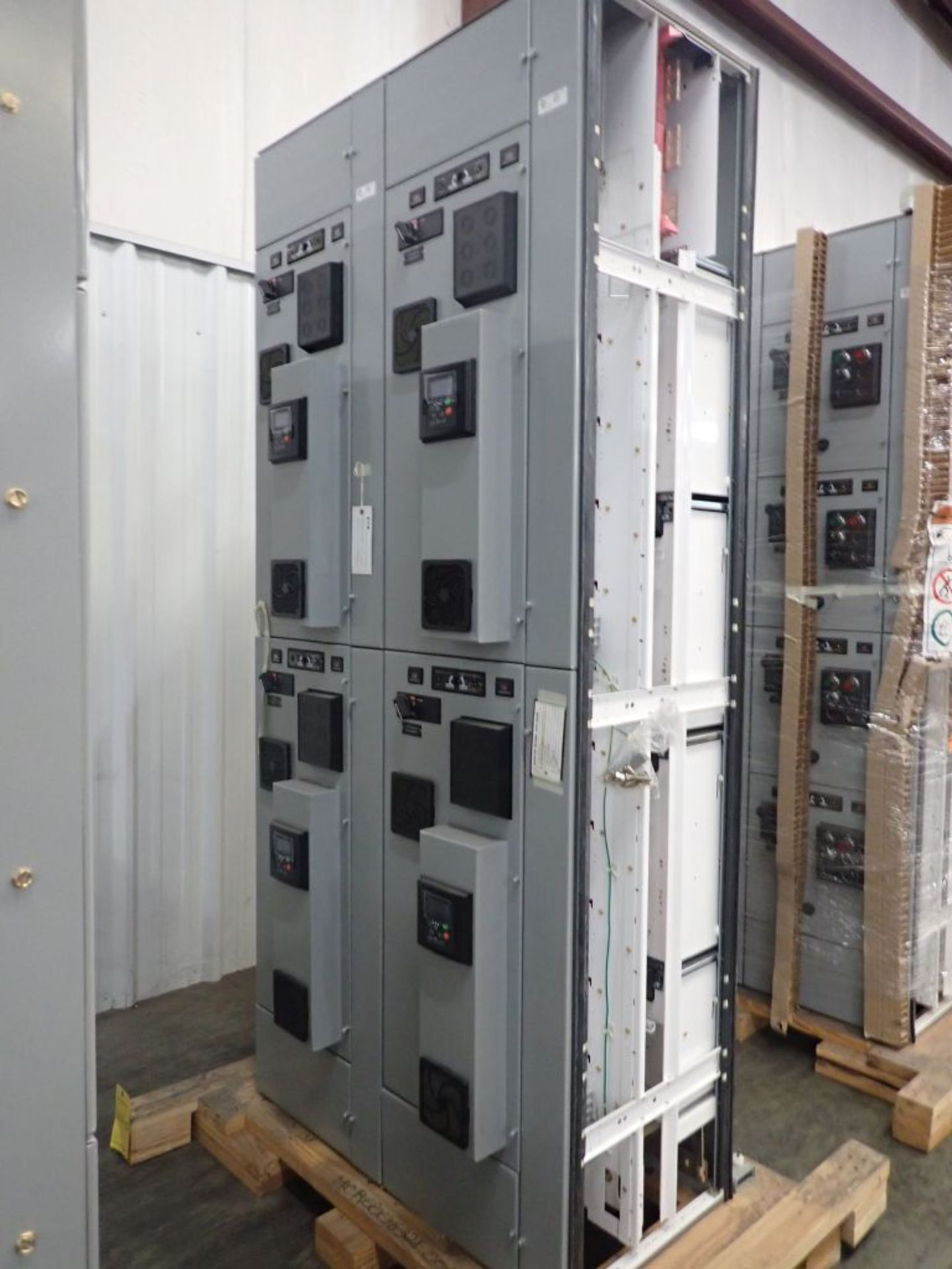 Eaton Freedom 2100 Series Motor Control Center | (2) F206-7A-10HP; (3) F206-15A-10HP; (1) FDRB-100A; - Image 2 of 87