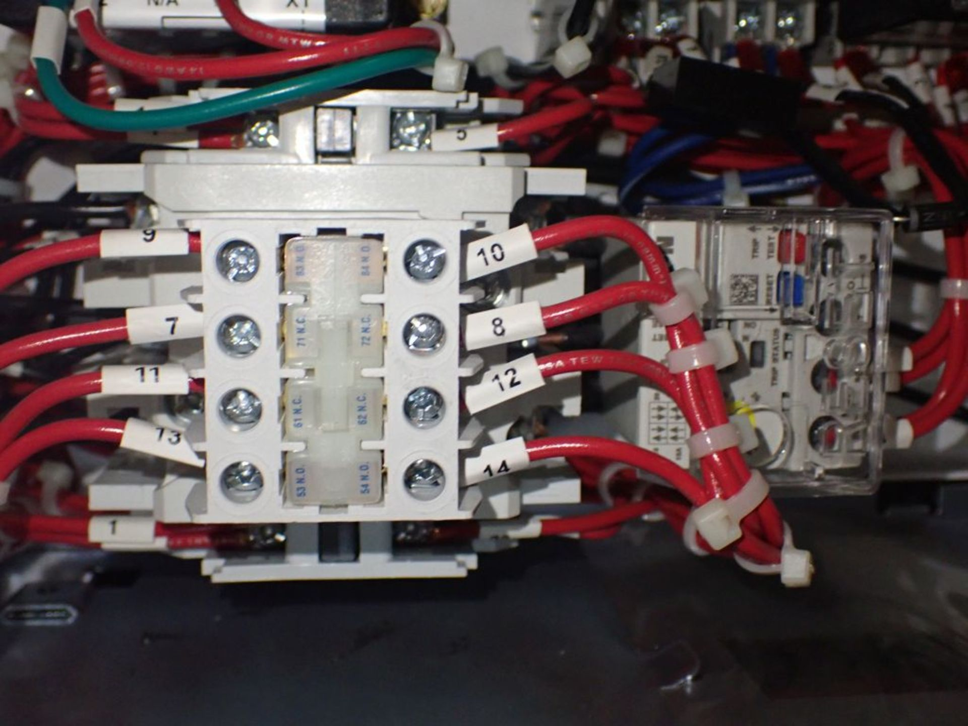 Eaton Freedom Flashgard Motor Control Center w/Components | (5) F206-15A-10HP; (4) F206-30A-10HP; ( - Image 17 of 84
