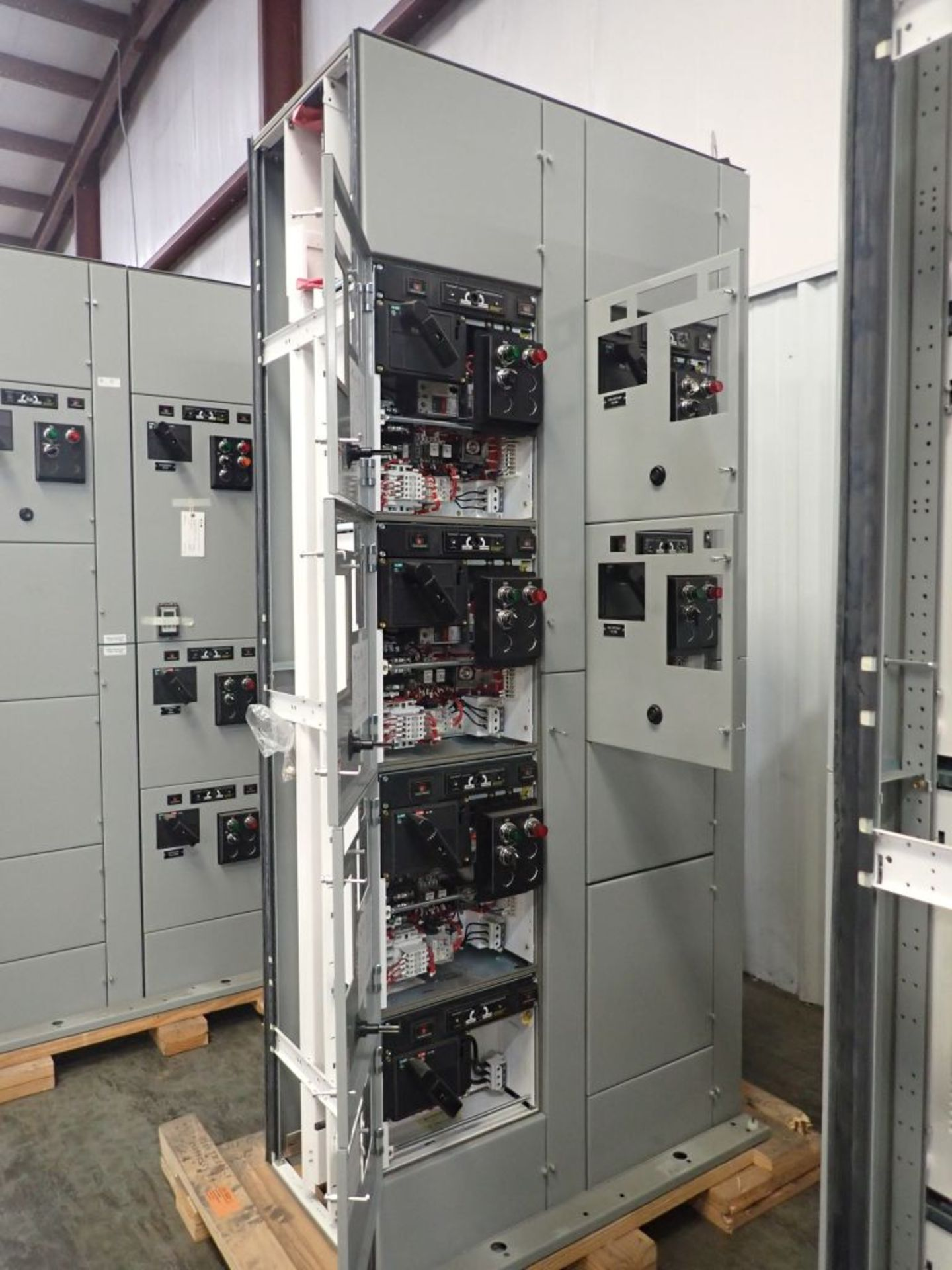 Eaton Freedom 2100 Series Motor Control Center | (2) F206-7A-10HP; (3) F206-15A-10HP; (1) FDRB-100A; - Image 42 of 87