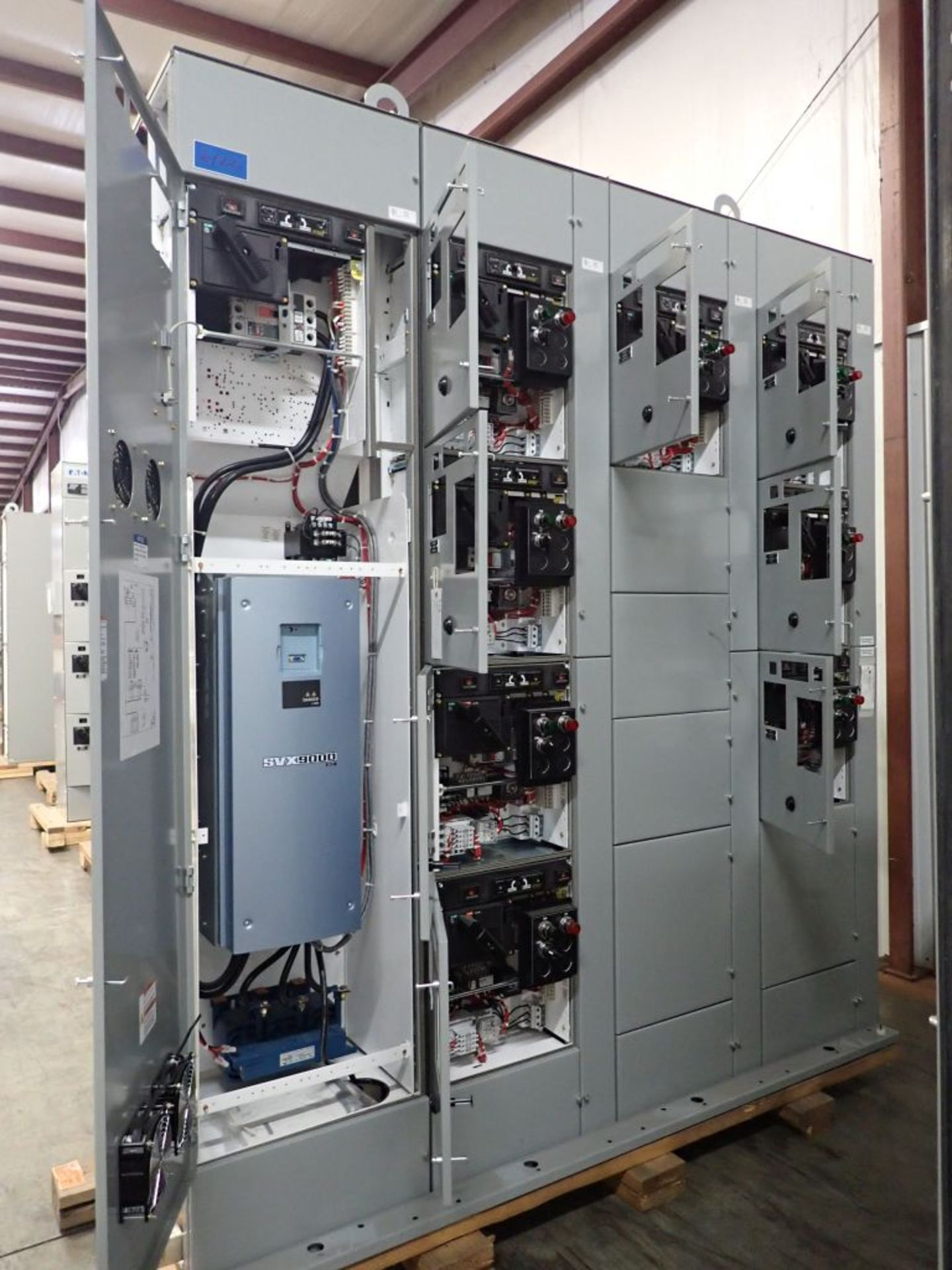 Eaton Freedom 2100 Series Motor Control Center | (11) F206-30A-10HP; (5) F206-15A-10HP; (1) SVX900- - Image 8 of 102