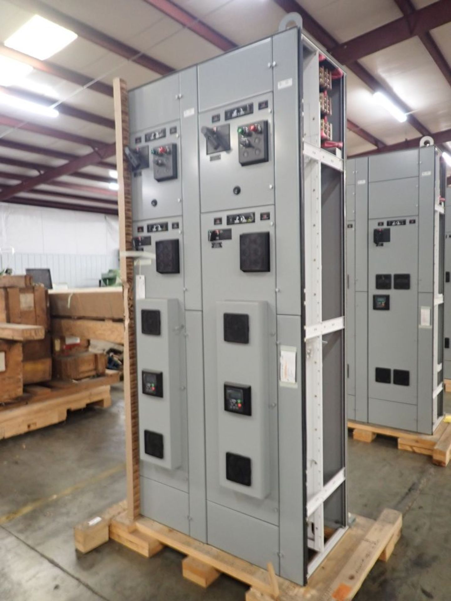 Eaton Freedom 2100 Series Motor Control Center   (2) F206-15A-10HP; (2) SVX900-50A, with Eaton AF
