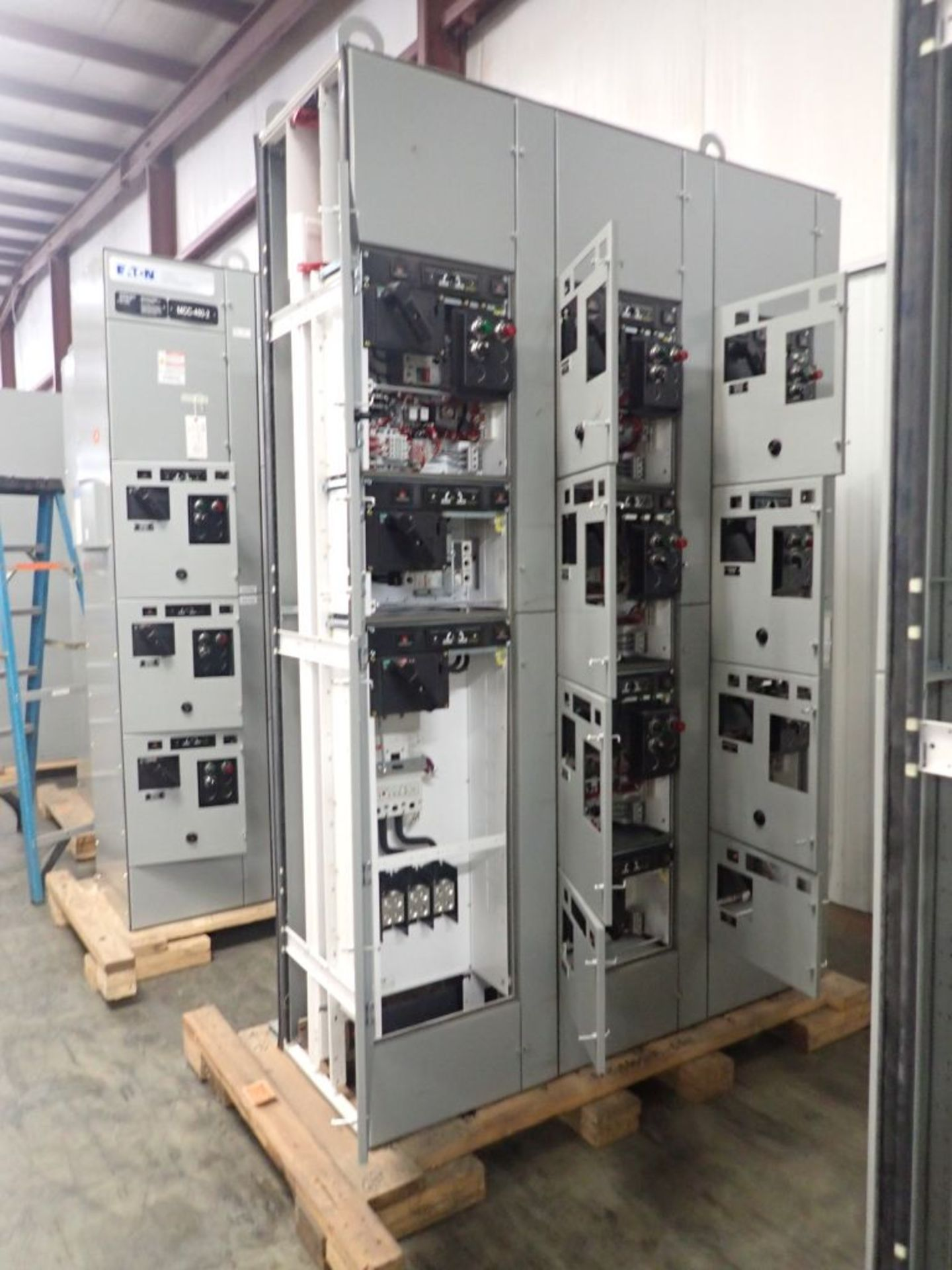 Eaton Freedom 2100 Series Motor Control Center | (2) F206-15A-10HP; (1) FDRB-250A; (1) FDRB-400A; ( - Image 8 of 104