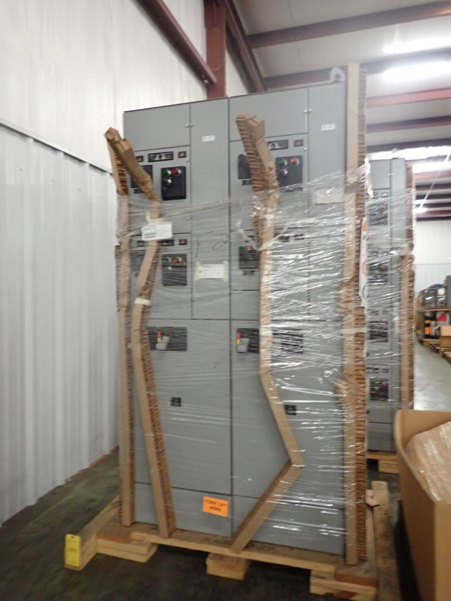 Eaton Freedom 2100 Series Motor Control Center | (2) F208-30A; (1) F208-40A; (1) FDRB-50A; (2) - Image 3 of 37