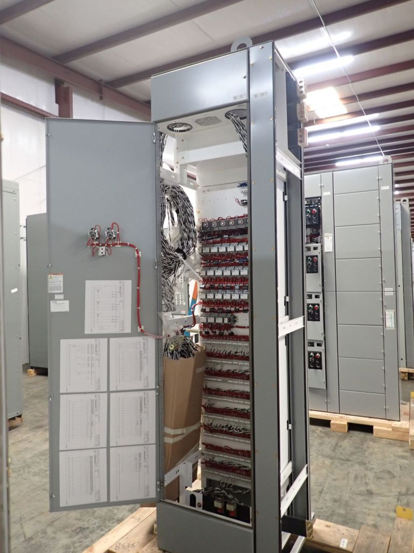 Eaton Freedom Flashgard Motor Control Center   Never Installed; Includes:; (1) RLYPNL - Image 11 of 16