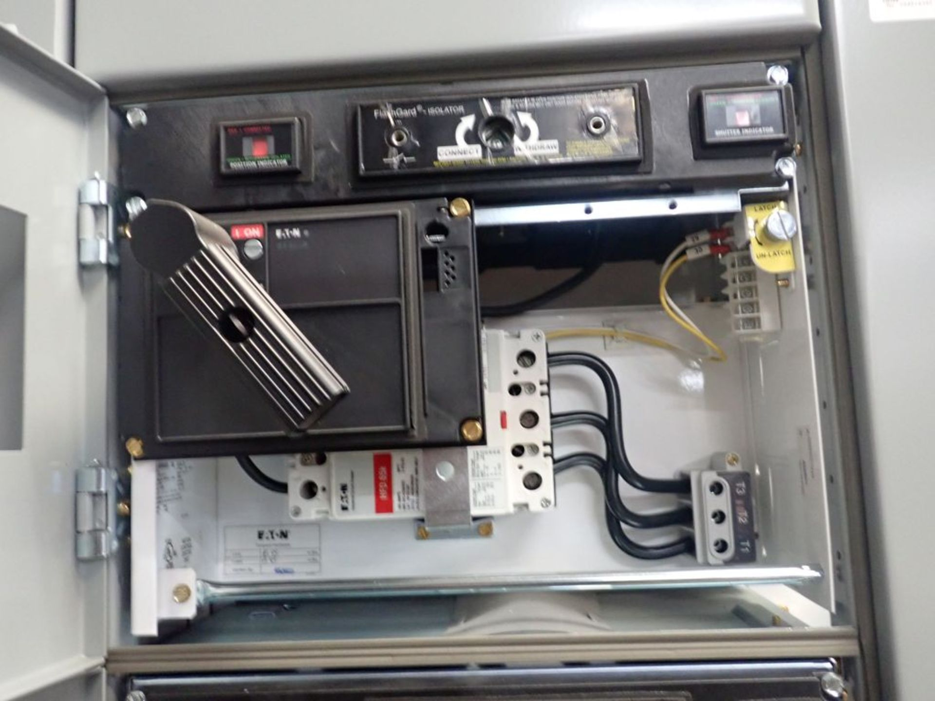 Eaton Freedom Flashgard Motor Control Center   (3) F216-15A-10HP; (1) FDRB-125A, with 150A - Image 38 of 57