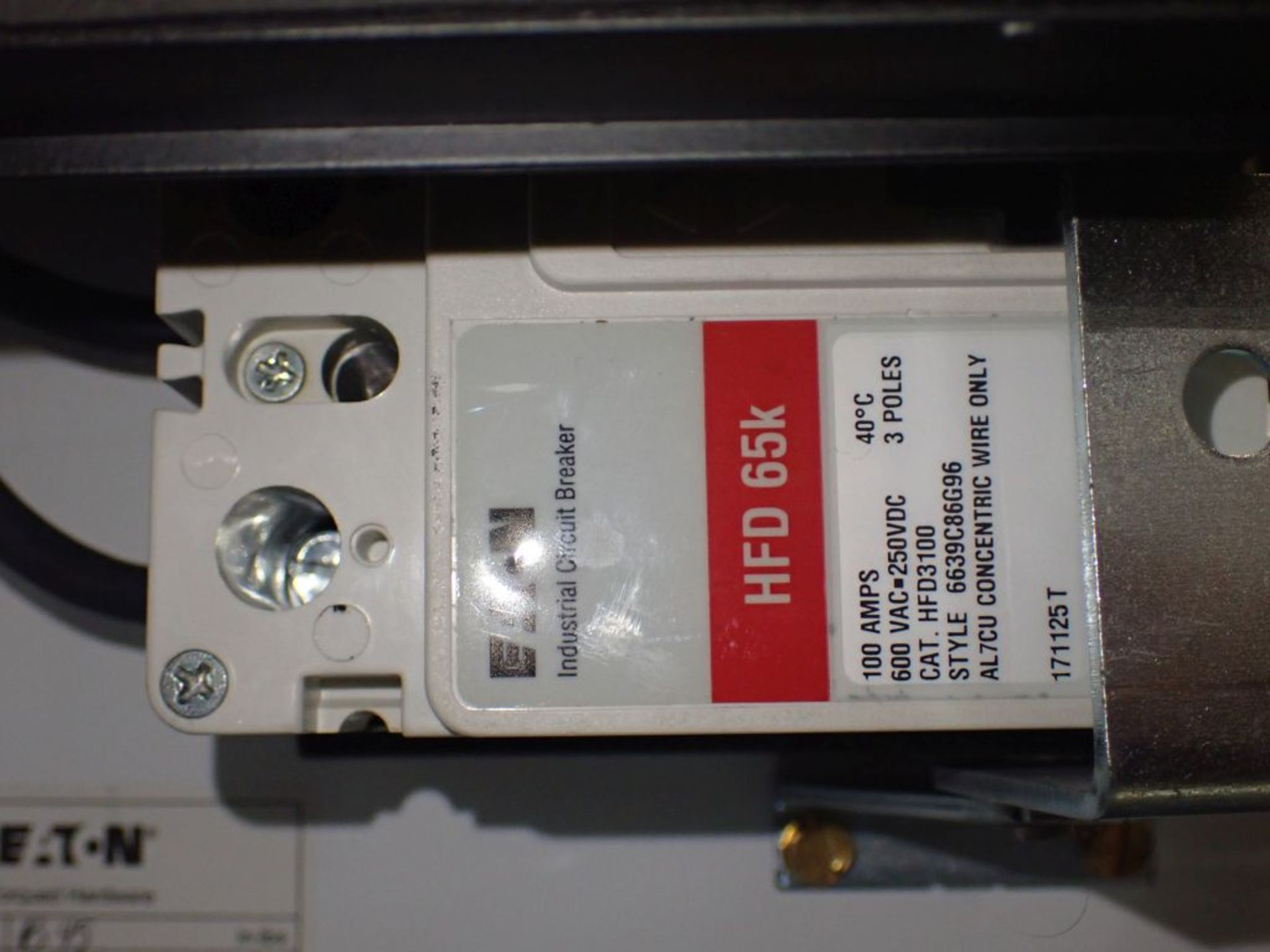 Eaton Freedom Flashgard Motor Control Center   (3) F216-15A-10HP; (1) FDRB-125A, with 150A - Image 41 of 57