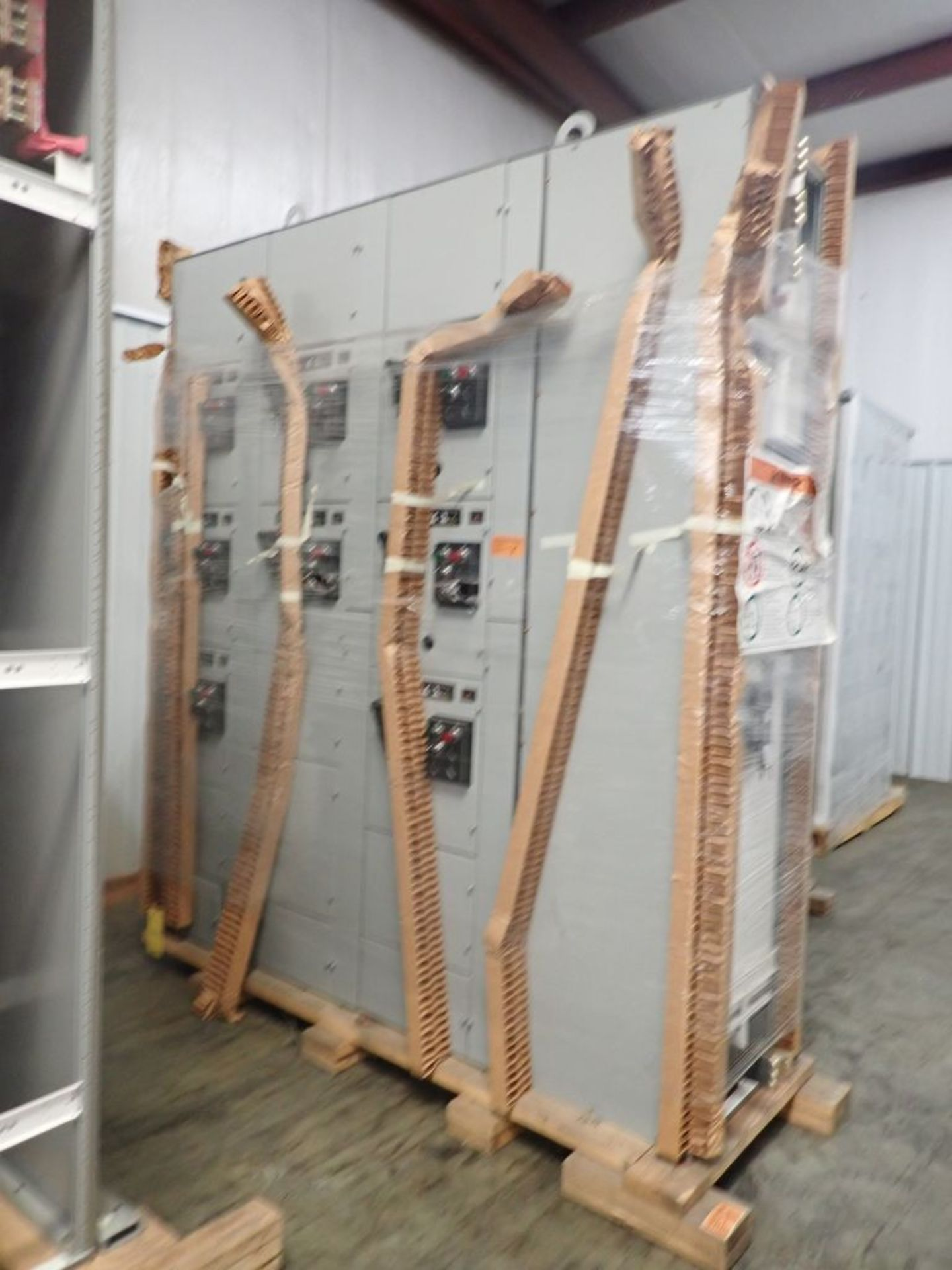 Eaton Freedom 2100 Series Motor Control Center | (11) F206-30A-10HP; (5) F206-15A-10HP; (1) SVX900- - Image 2 of 102