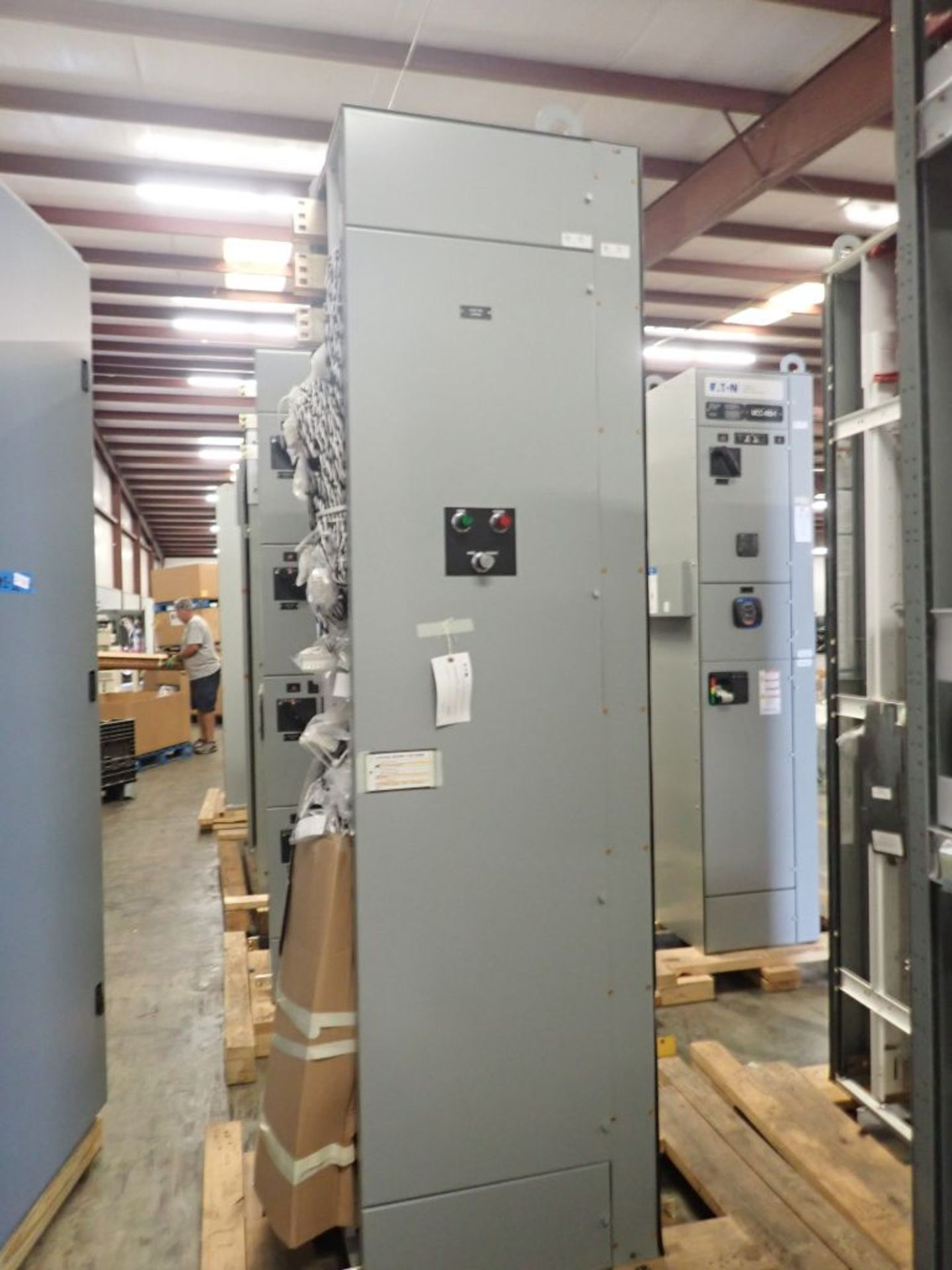 Eaton Freedom Flashgard Motor Control Center   Never Installed; Includes:; (1) RLYPNL