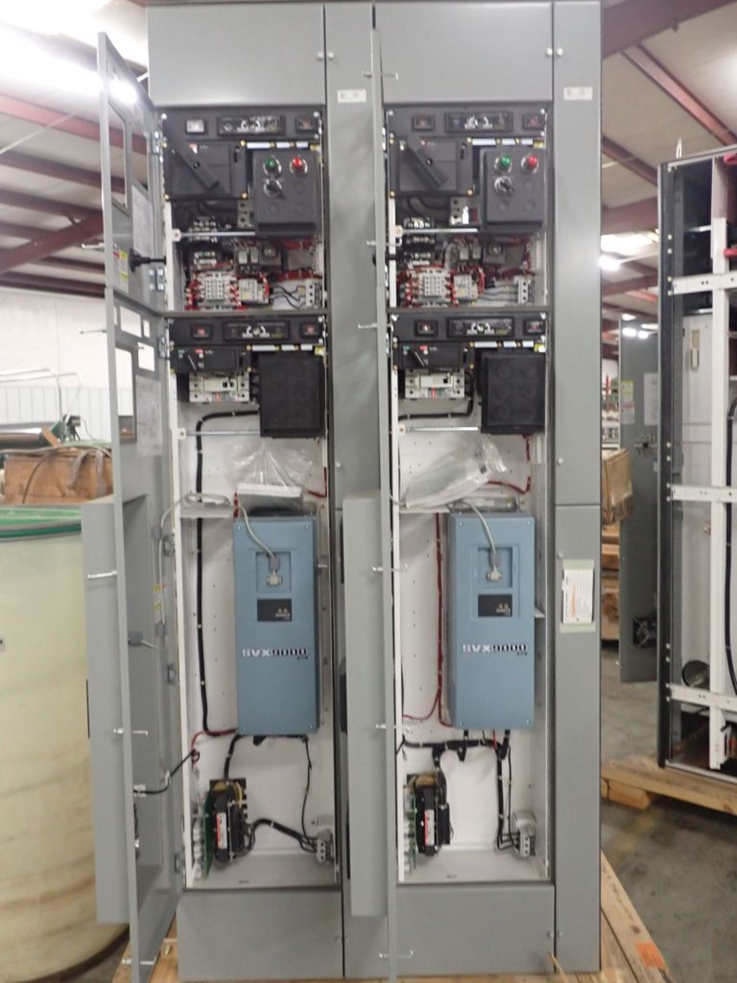 Eaton Freedom 2100 Series Motor Control Center   (2) F206-15A-10HP; (2) SVX900-50A, with Eaton AF - Image 13 of 48