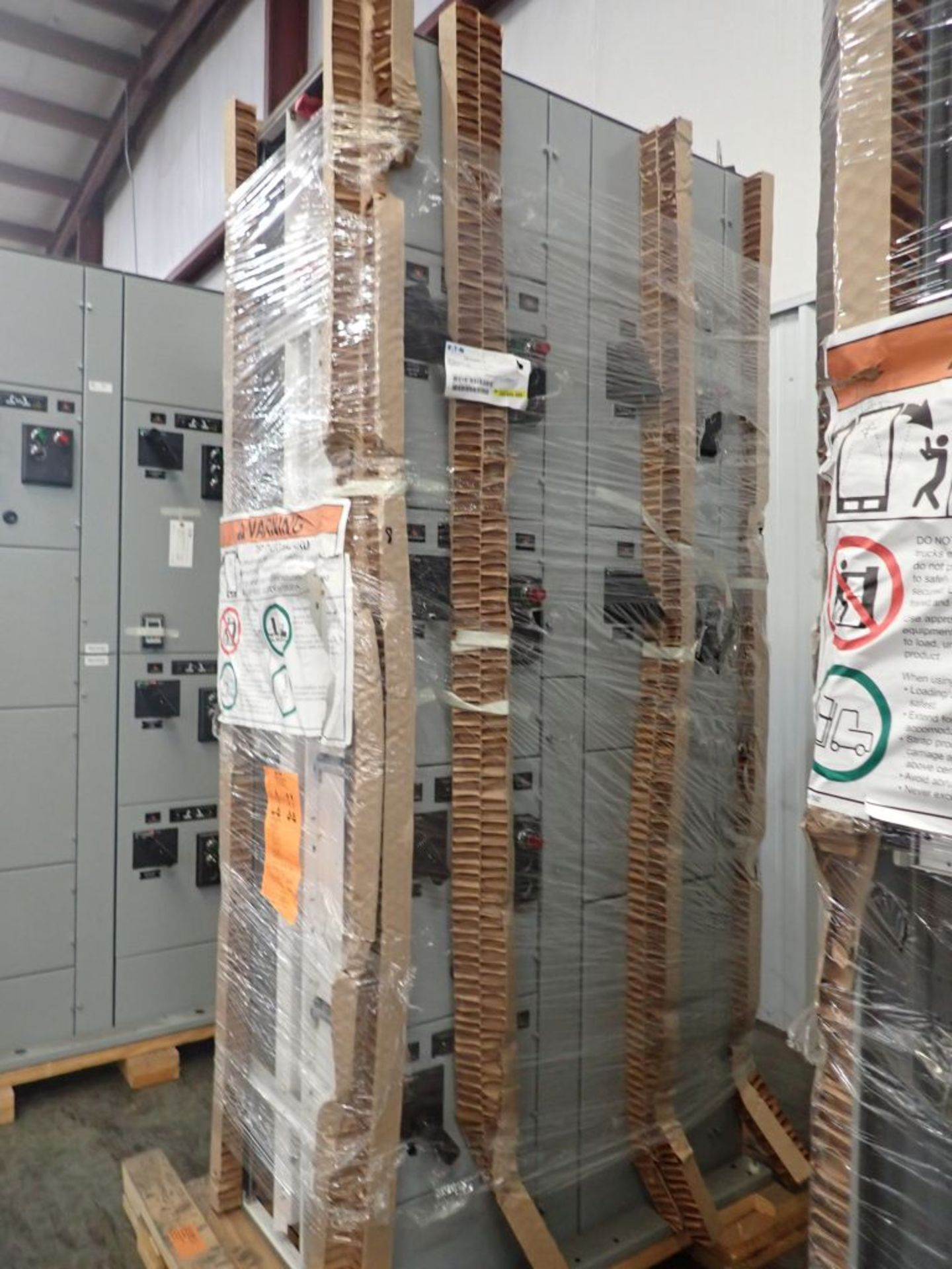 Eaton Freedom 2100 Series Motor Control Center | (2) F206-7A-10HP; (3) F206-15A-10HP; (1) FDRB-100A; - Image 5 of 87