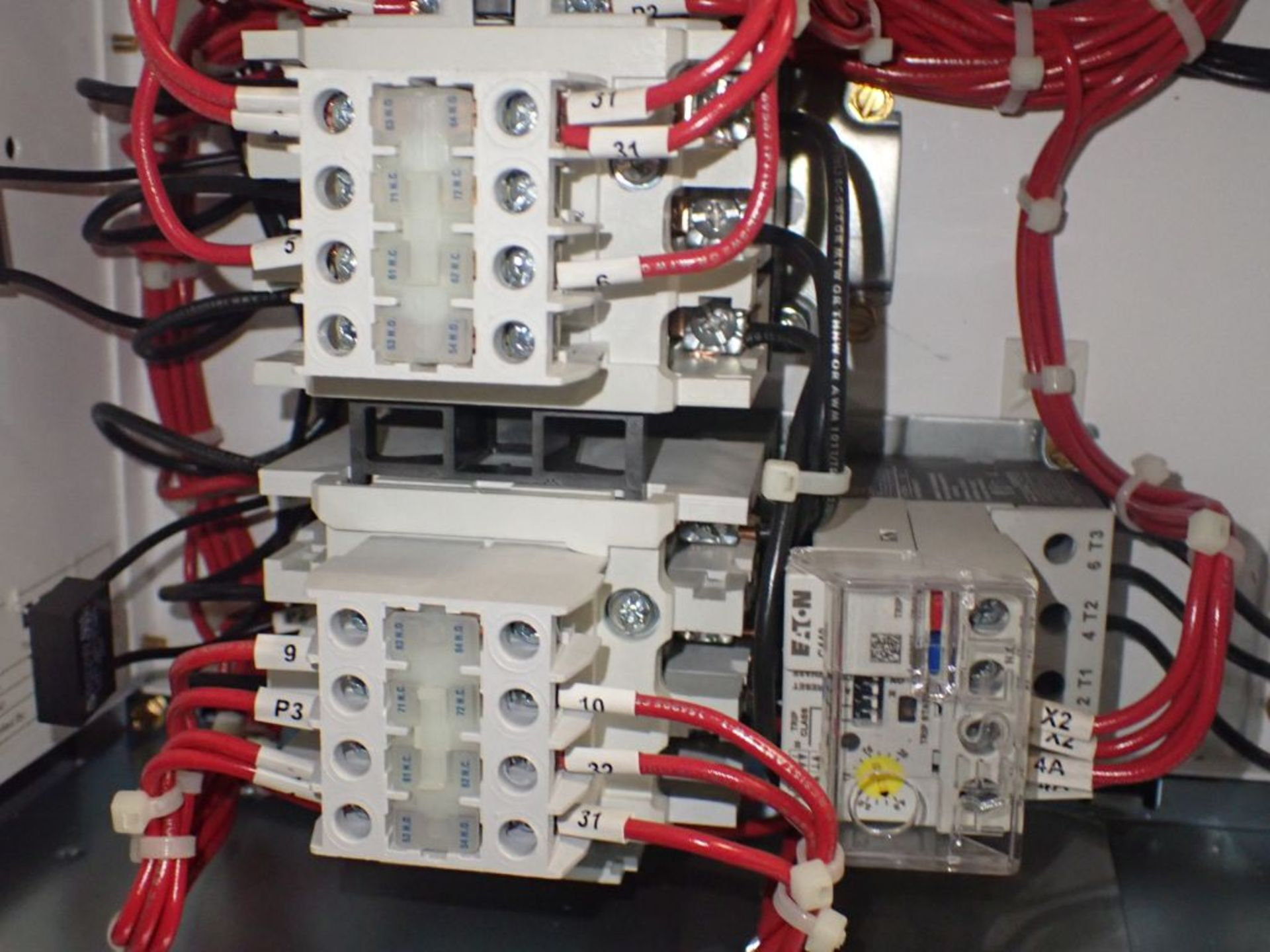 Eaton Freedom Flashgard Motor Control Center   (3) F216-15A-10HP; (1) FDRB-125A, with 150A - Image 20 of 57