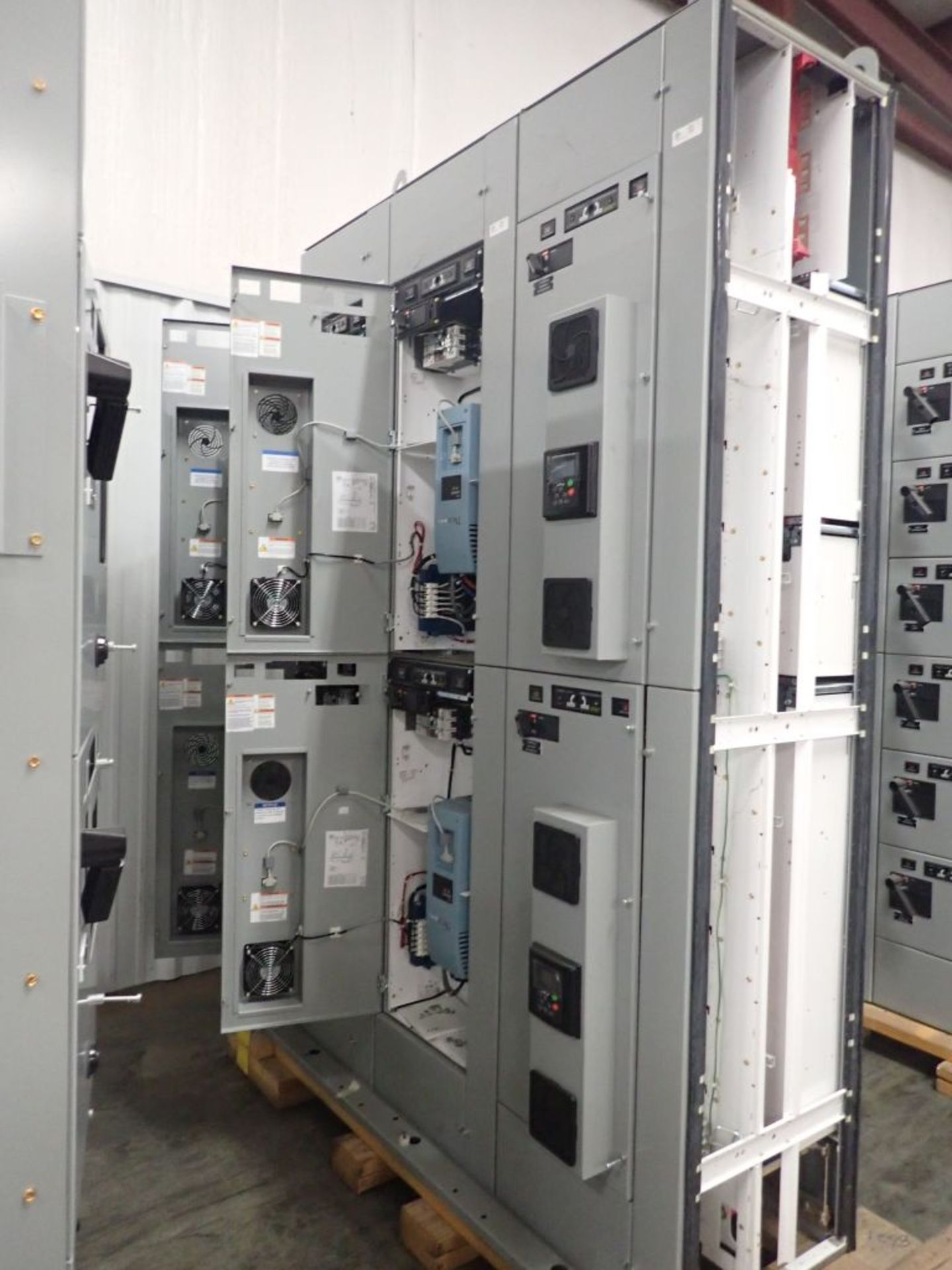 Eaton Freedom 2100 Series Motor Control Center | (2) F206-15A-10HP; (1) FDRB-250A; (1) FDRB-400A; ( - Image 6 of 104