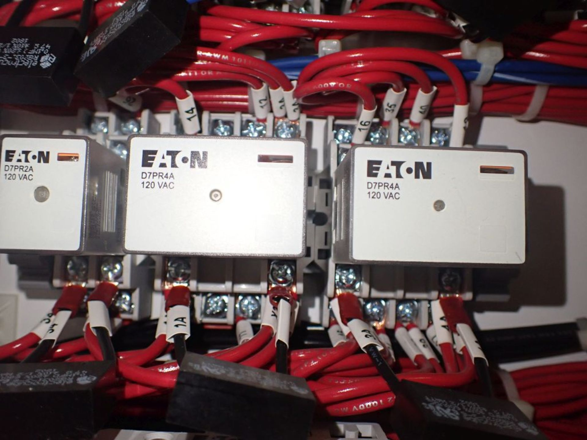 Eaton Freedom Flashgard Motor Control Center   (3) F216-15A-10HP; (1) FDRB-125A, with 150A - Image 12 of 57