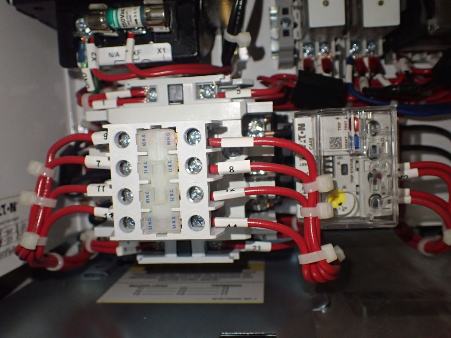 Eaton Freedom 2100 Series Motor Control Center | (2) F206-7A-10HP; (3) F206-15A-10HP; (1) FDRB-100A; - Image 68 of 87